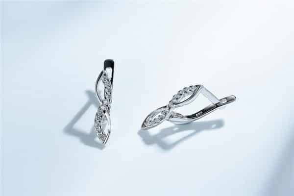 Infinity Classic Love Symbol Clip Earring Earrings 75% OFF Brand Name: DysonJewelry